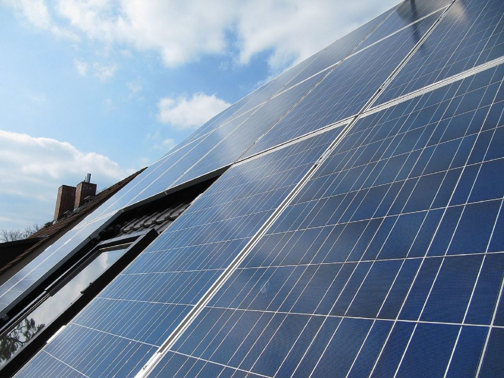 Wat kosten zonnepanelen plaatsen?